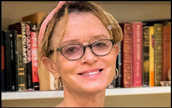 Read more about the article Motivational Anne Lamott Quotes and Sayings