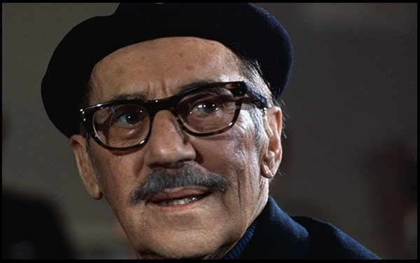 Read more about the article Motivational Groucho Marx Quotes And Sayings